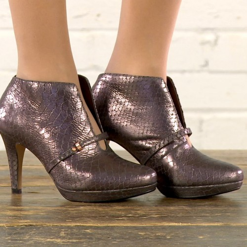 Clarks: Studio Video by Basement Photographic